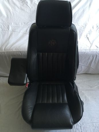Alfa Romeo 156, салон (MOMO, Альфа Ромео, сиденья, сидіння)