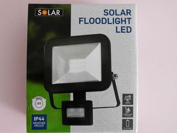 Reflektor Solarny Naświetlacz LED z Czujnikiem Ruchu 800 Lumenów