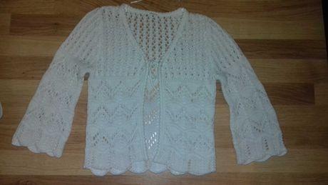 Ażurowy sweterek.