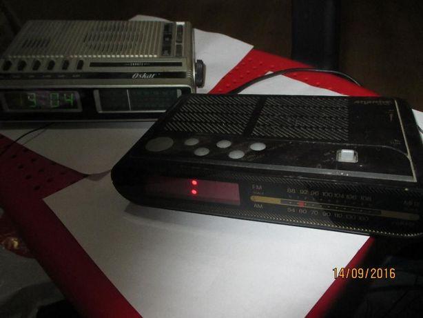 2 rádios despertadores