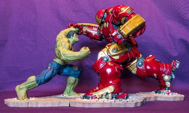 Hulk vs Hulkbuster Diorama 2 statuy Artfx+ Kotobukiya