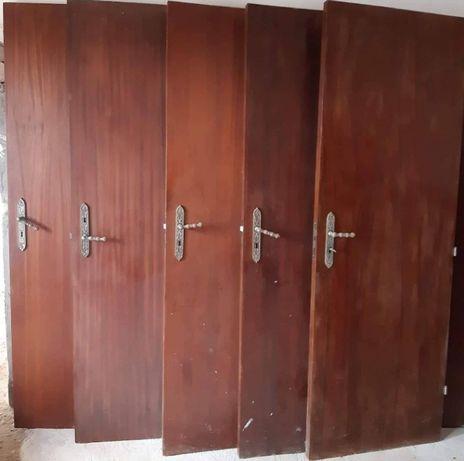 Portas de madeira interior