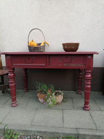 Stare drewniane stoły kuchenne