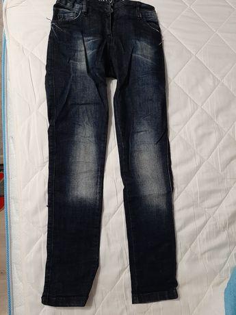 Фирменные джинсы, 7-9 лет