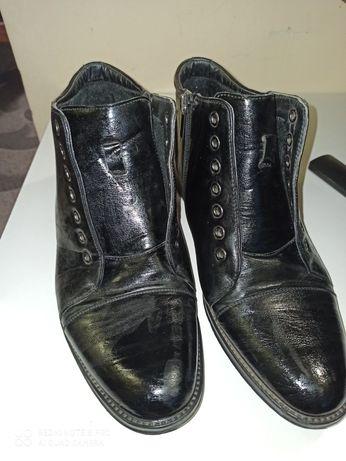 Продам мужские ботинки р 40
