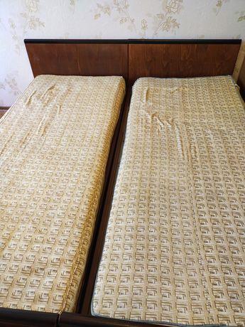 Две односпальные кровати с матрацами б/у