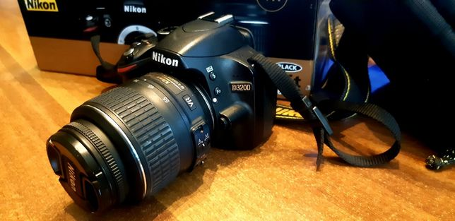Срочно продажа Фотоаппарата Nikon D3200