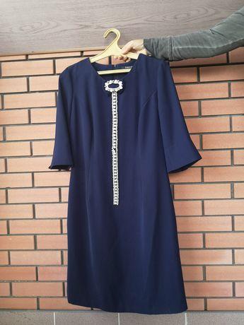 Классическое  платье 42 размера
