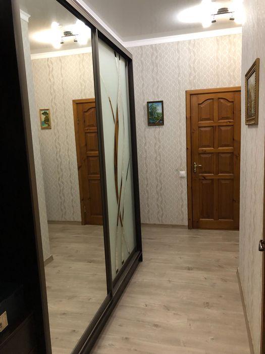 2-х комнатная квартира Люкс в центре города посуточно-1