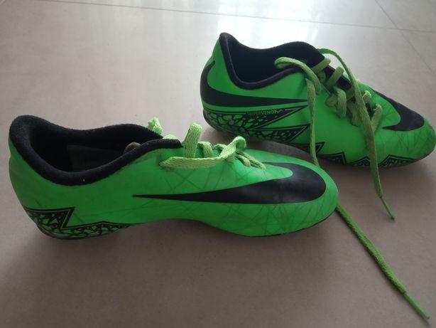 Korki Nike rozmiar 33