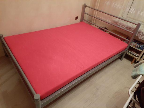 Łóżko 140cm x 200cm, z materacem sprężynowym