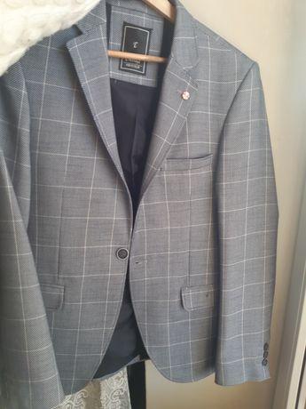 Продам чоловічий піджак розмір m