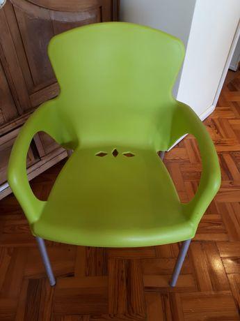 6 Cadeiras de exterior empilhaveis