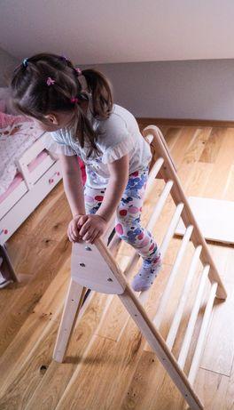 Drabinka ze zjeżdżalnią i ścianką wspinaczkową dla dzieci