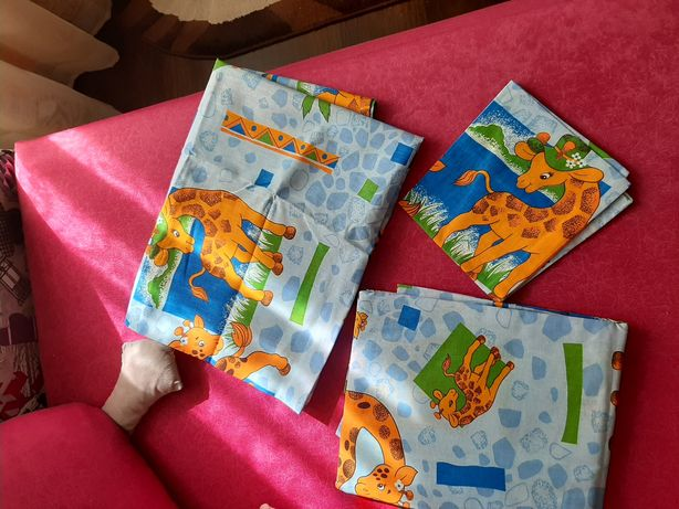 Комплект в детскую кроватку наматрасник,  подушка, одеяло, постель