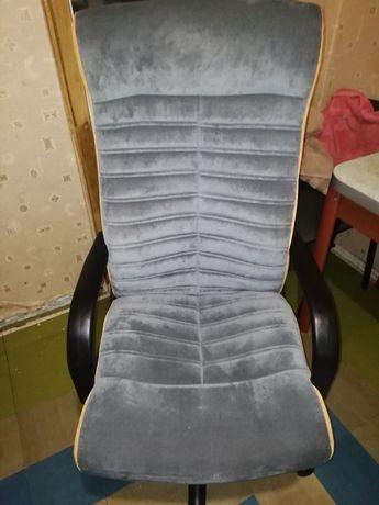 Продам кресла офисные
