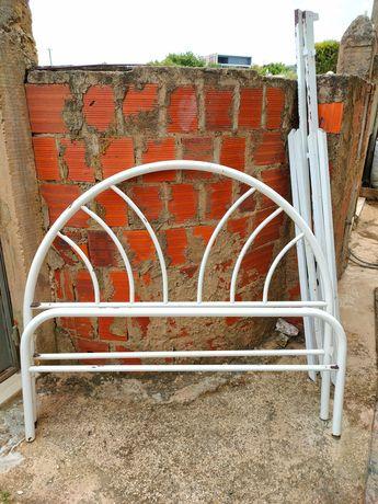 Camas de ferro para restaurar