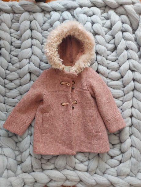 Пальто для дівчинки фірми zara