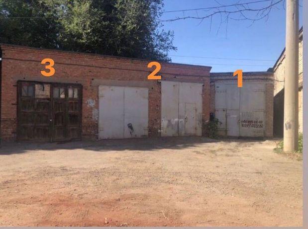 Сдается в аренду гаражный комплекс ( 3 гаража)