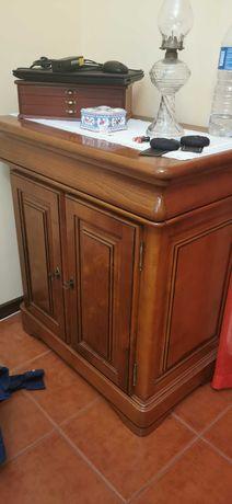 Móvel tv bar em madeira.