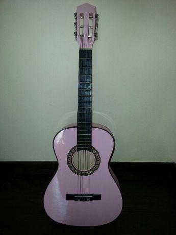 Gitara akustyczna różowa