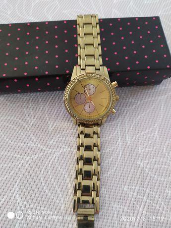 Zegarek damski Avon złoty