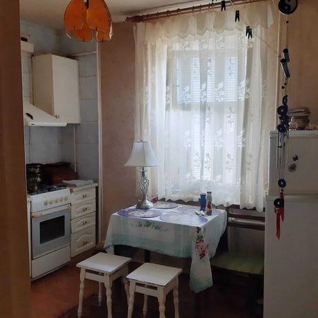 Теплая 3 ком. кв. с ремонтом на Институте связи с балконом и лоджией