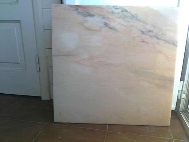 2 Placas de mármore e Placa de cerâmica