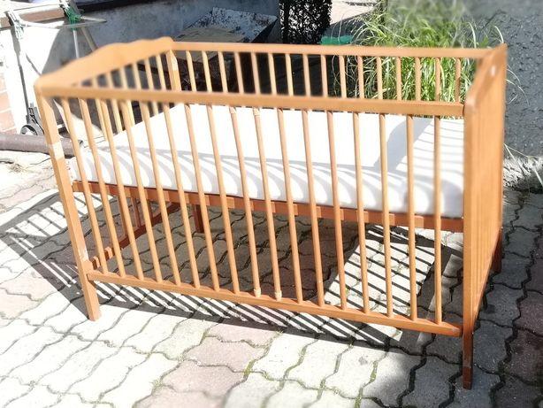 Łóżeczko niemowlęce drewniane z materacem