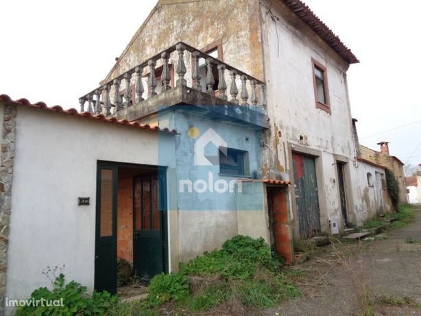 Casa M4 para recuperar, 913 m2 de terreno, Aguada de Baixo, Águeda