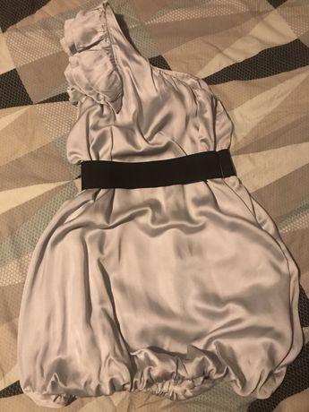 Srebrna sukienka na jedno ramie z czarnym paskiem mega efektowna S M