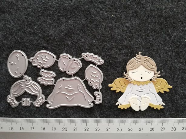 Wykrojnik - aniołek siedzący