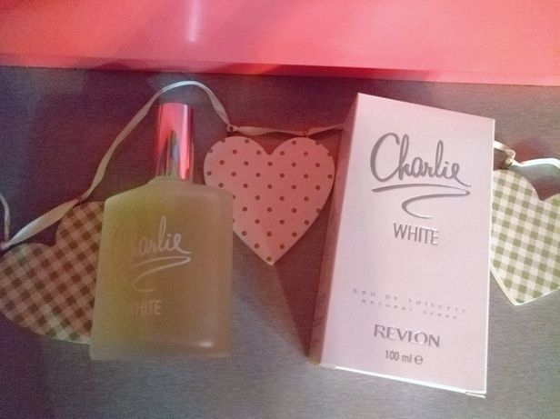 Charlie White от Revlon Оригинал ! ( матовая бутылка ) 100 ml.