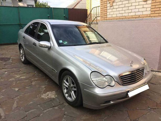 Mercedes-Benz C-Class II (W203) 180 - 2002 год