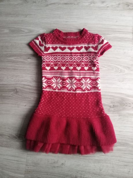 Czarwona sweterkowa sukienka r. 128-134 walentynki