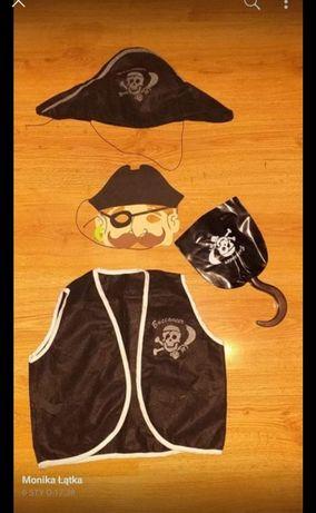 Stroj pirata i piratki