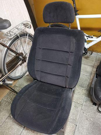 Fotel samochodowy przerobiony na pokojowy