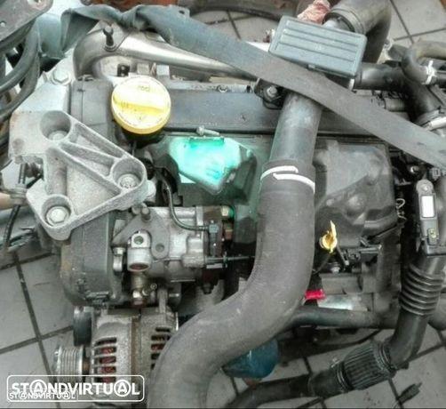 Motor Renault Kangoo de 2010, 1.5 DCI, ref 800, aprox 110 000 kms.