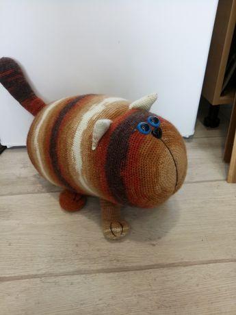 Игрушка-подушка Кот. вязаный.