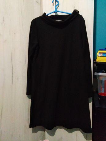 Wyprzedaż Czarna sukienka z ozdobnym dekoldem