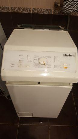 Стиральная машинка Miele продажа на запчасти или ищу мастера