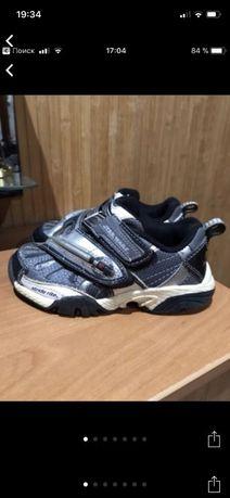 Кроссовки красовки кросовки мигающие светящиеся фирменные