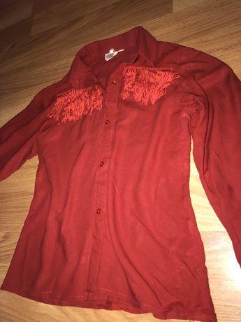 Женская рубашка с рюшками