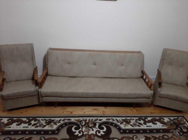 Диван і два крісла