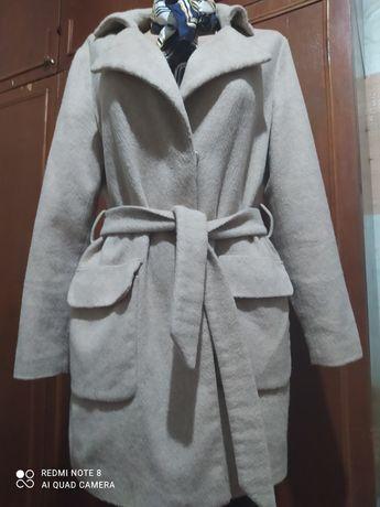 Пальто,шерсть в отличном состоянии