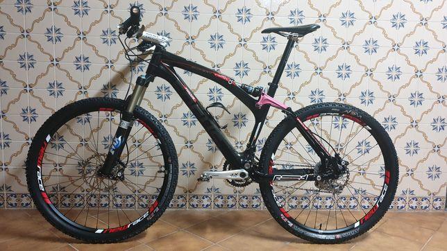 Bicicleta Carbono BTT Focus First Expert IMPECÁVEL!!!