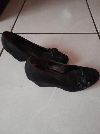 Buty na koturnie Clara Barson