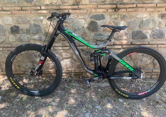 Giant glory 2017 downhill bicicleta