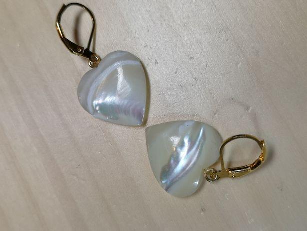 Kolczyki z kamieni szlachetnych / masy perłowej