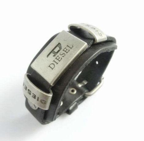 Pulseira pele Diesel cor  preta - NOVA